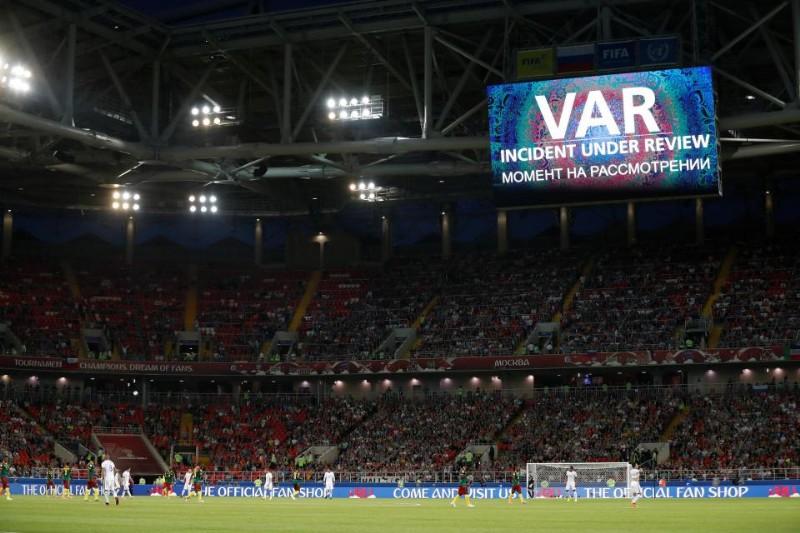 Perché il Var ha cambiato il gioco del calcio (in maniera definitiva)